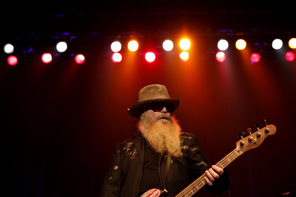 ZZ Top gotsta get paid, so they came to the Music Hall at