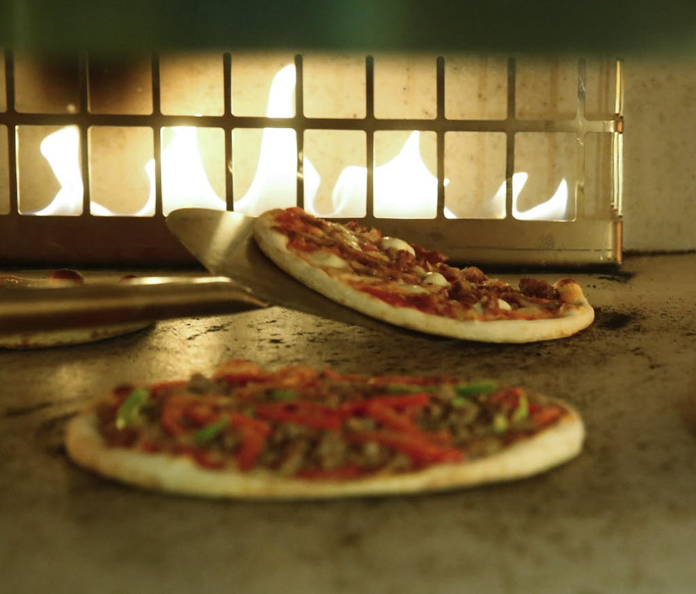Coal Vines serves quick pizzas at new downtown Dallas digs | GuideLive
