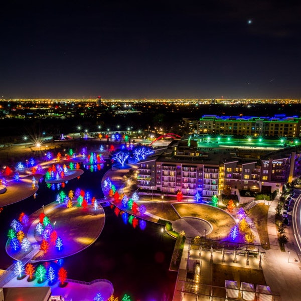 The Top 12 Places To See Christmas Lights In D-FW