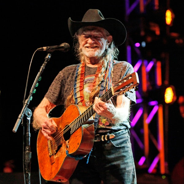 Texas' Favorite Stoner Willie Nelson Wants Loretta Lynn To