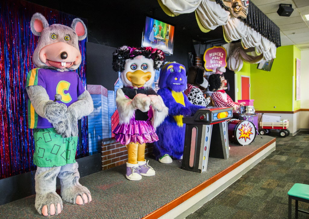 good riddance to chuck e cheese s animatronic band but we ll miss