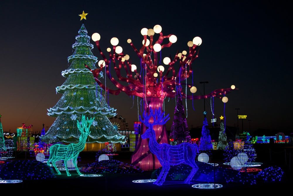 huge new holiday light displays headed for dallas arlington and grand prairie guidelive