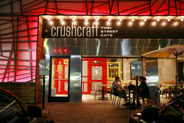 crush craft dallas another dallas restaurant airs on fieri s diners 1821