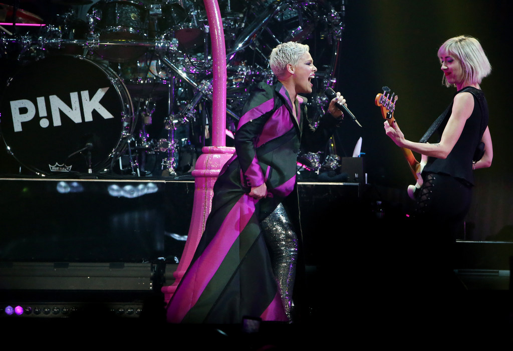 In Dallas concert, Pink shows pop power with thriving