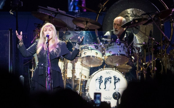 Fleetwood Mac played a landslide of greatest hits at Dallas concert, sans mention of Lindsey Buckingham
