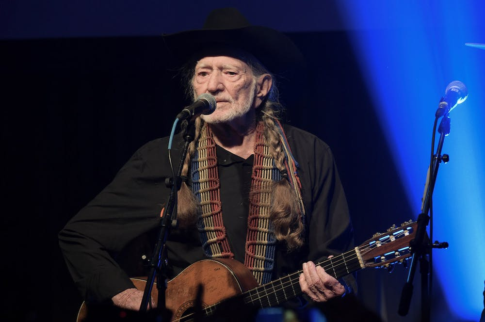 No, Willie Nelson isn't canceling his entire tour — just his next six shows in August